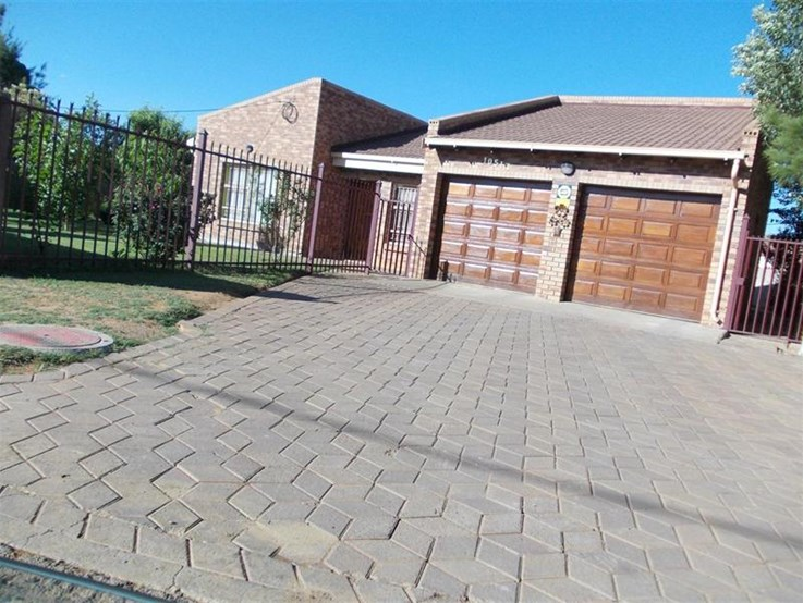 Neat Residential Property Under the Hammer, Heidedal