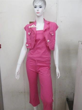 Large Quantities of Ladies' Clothing